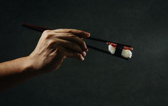投稿画像 日本の夕食 箸を正しく持つ - 日本の夕食